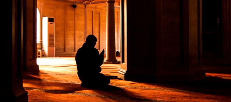 صورة رؤية شخص يصلي في المنام , تفسير الصلاة في الحلم