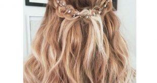 تسريحات بسيطة للشعر , صور عديده لتسريحات الشعر لجميع المناسبات