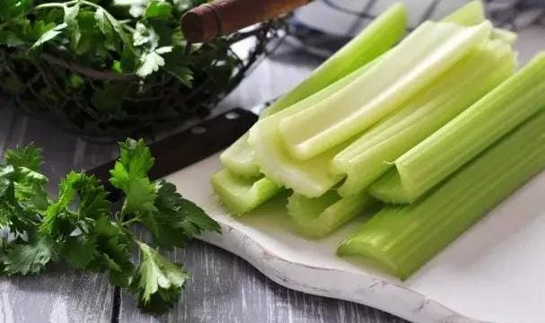 صورة فوائد الكرفس , القيمه الغذائيه للكرفس وفوائده المدهشه والجميله