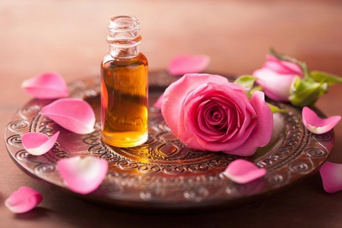 صورة فوائد ماء الورد , الاستخدامات المذهلة والمميزة لماء الورد