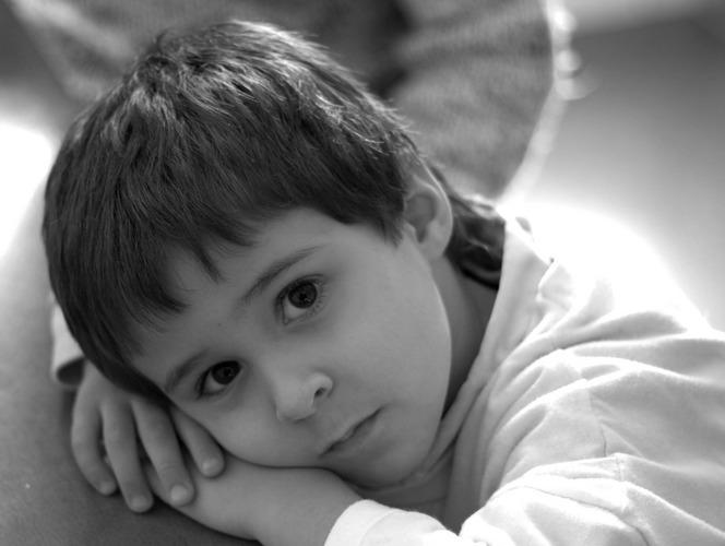 صورة صور ولد حزين , صورة ولد حزين