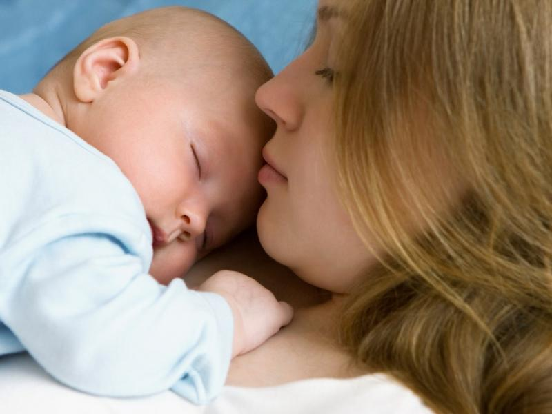 صورة ايهما افضل الولادة الطبيعية ام القيصرية , الطبيعى احسن من اى شئ