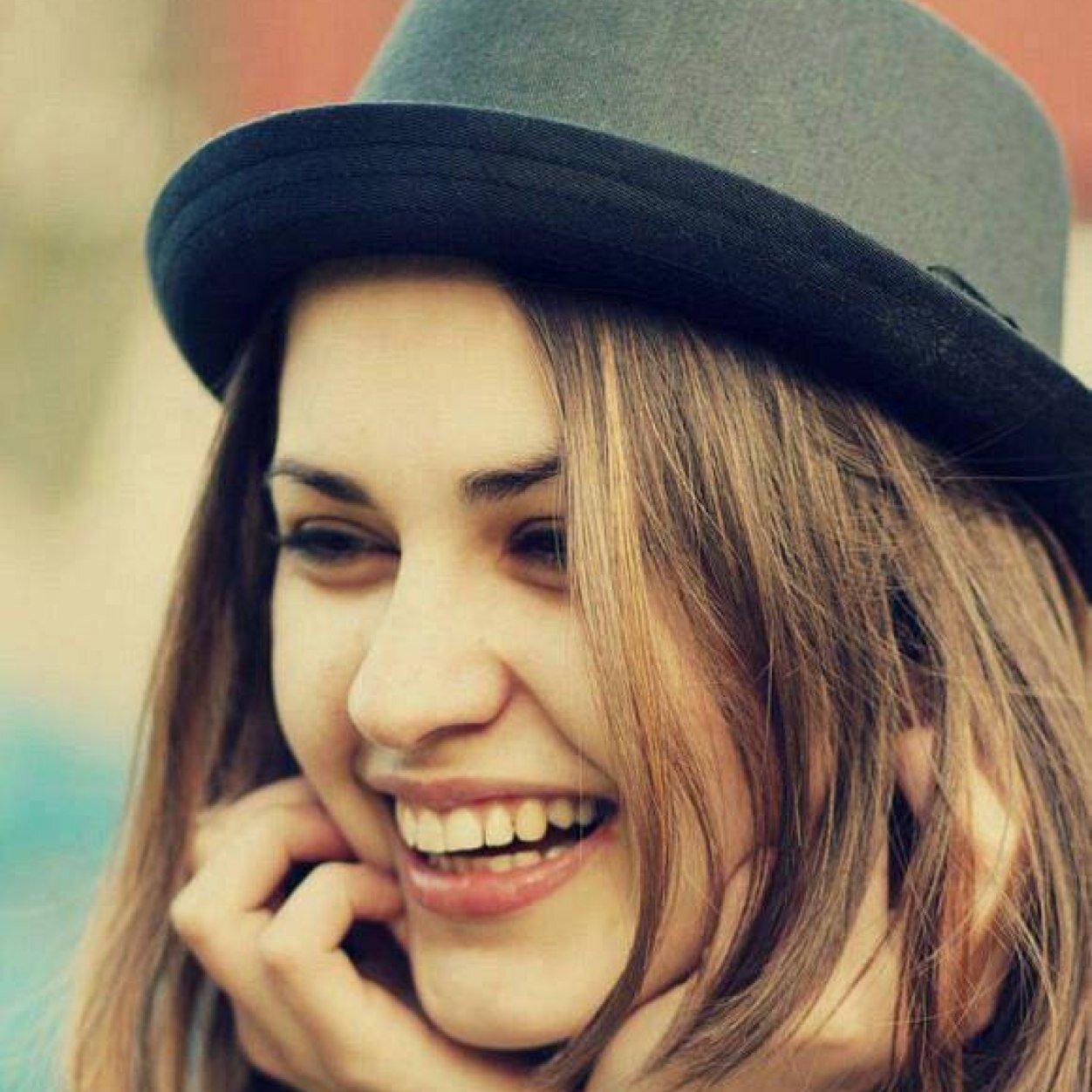 صورة صور بنات بتضحك , الضحك شئ جميل