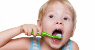 صورة تنظيف اسنان الاطفال , نصائح الاعتناء باسنان الصغار