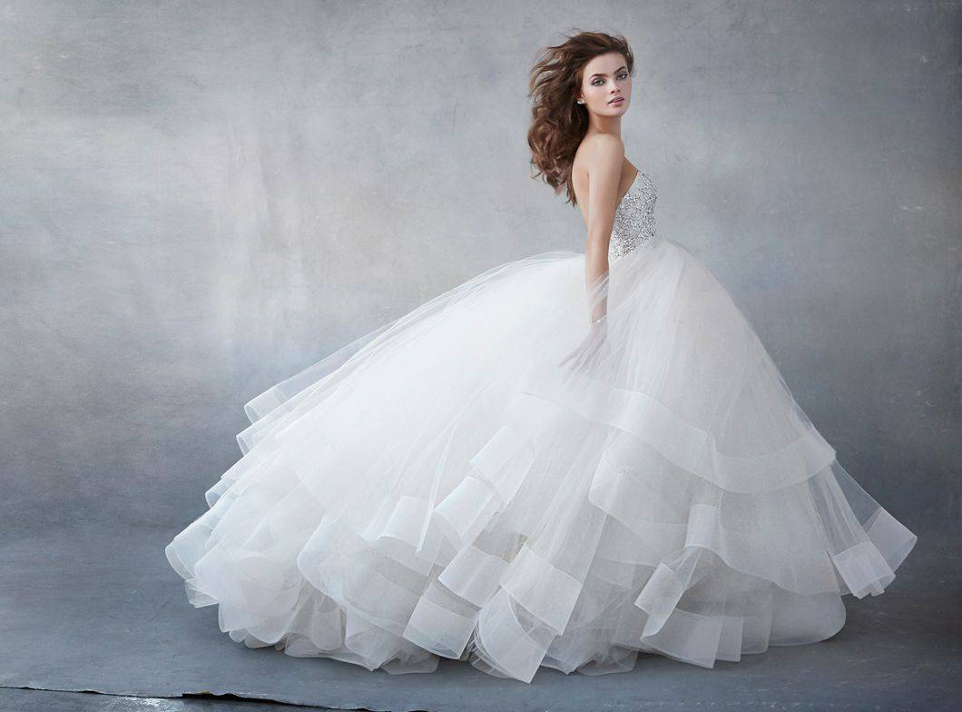 صورة فستان الزفاف الابيض في المنام , تفسير رؤيه ثوب العرس الابيض بالحلم