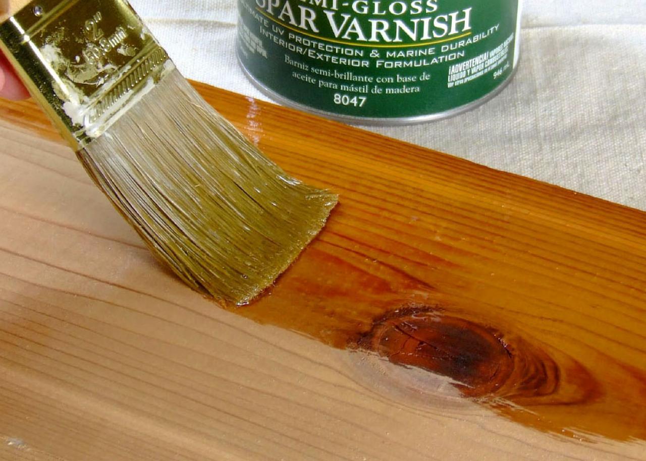 صورة كيفية دهان الخشب بالورنيش , طريقه وضع الورنيش على المصنوعات الخشبيه