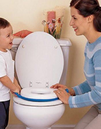 صورة تربية وتنشأة , تعليم الطفل دخول الحمام 12596 4